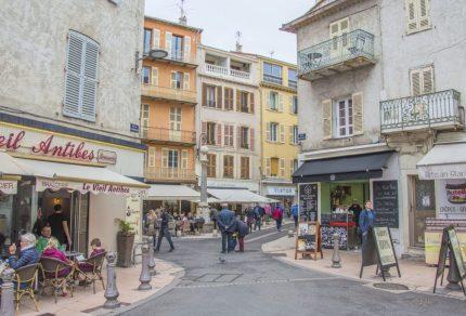 Redenen om vanuit Nice een uitstap naar Antibes te maken